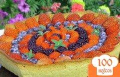 Фото рецепта: «Кростата с ягодами и заварным кремом»