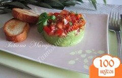 Фото рецепта: «Закуска из авокадо с томатами»