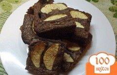 Фото рецепта: «Пирог шоколадный с яблоками»