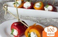 Фото рецепта: «Рулетики из печеного перца с сырным кремом»