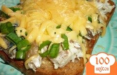Фото рецепта: «Большой бутерброд со скумбрией»