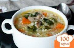 Фото рецепта: «Куриный суп с грибами, шпинатом и перловкой»