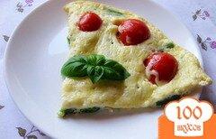 Фото рецепта: «Омлет со стручковой фасолью и помидорами»