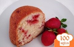 Фото рецепта: «Кексы со свежей клубникой»