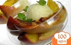 Фото рецепта: «Печеное манго с корицей и мороженым»