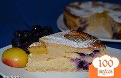 Фото рецепта: «Йогуртовый пирог с нектаринами и виноградом»