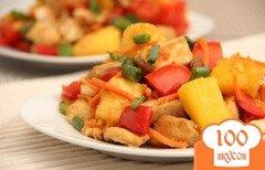 Фото рецепта: «Пряная, сладкая курочка с ананасом»