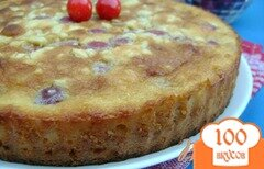 Фото рецепта: «Миндально-черешневый пирог с заливкой»