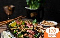 Фото рецепта: «Говяжий стейк с брокколи и арахисом»