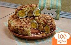 Фото рецепта: «Пирог из манки с начинкой из яиц»