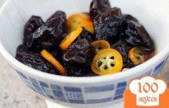 Фото рецепта: «Чернослив с кумкватом в сахарной глазури»