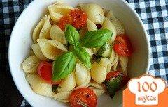 Фото рецепта: «Макароны с чесноком и помидорами»