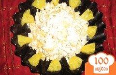 Фото рецепта: «Салат с сельдереем, куриным филе и ананасами»