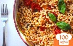 Фото рецепта: «Паста в томатно-базиликовом соусе»
