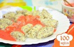 Фото рецепта: «Ленивые вареники с маком и ягодным соусом»