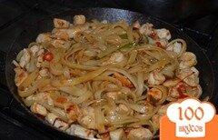 Фото рецепта: «Лапша Удон с курицей и овощами»