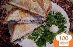 Фото рецепта: «Сэндвич с колбасой и яйцом»
