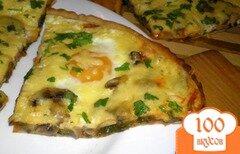 Фото рецепта: «Пицца с грибами, шпинатом и яйцами»