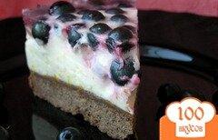Фото рецепта: «Торт со сливочно-цитрусовым суфле и черной смородиной»