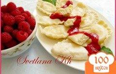 Фото рецепта: «Вареники с творогом и мятно-малиновым соусом»