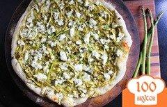 Фото рецепта: «Пицца с козьим сыром и спаржей»