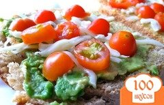 Фото рецепта: «Сэндвичи с авокадо и моцареллой»