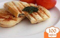 Фото рецепта: «Сэндвич с ветчиной, сыром и нектарином»