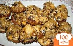 Фото рецепта: «Котлетки под грибной шубкой»