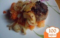 Фото рецепта: «Пюре из картофеля с мускатной тыквой и фрикаделькми»