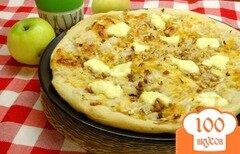 Фото рецепта: «Пицца с яблоками и грецкими орехами»