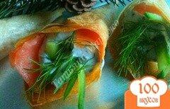 Фото рецепта: «Закусочные кулечки с икорным муссом и семгой»
