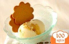 Фото рецепта: «Ванильное мороженое с кунжутно-кленовым сиропом»