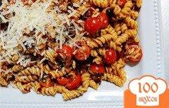 Фото рецепта: «Макароны с сыром и помидорами»