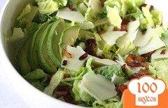 Фото рецепта: «Салат с авокадо и беконом»