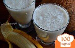 Фото рецепта: «Смузи с бананом на кокосовом молоке»