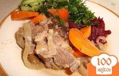 Фото рецепта: «Мясо с черносливом в горшочках»