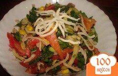 Фото рецепта: «Легкий салат с сушеными кальмарами»