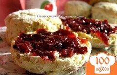 Фото рецепта: «Злаковые сконы с вишневым конфитюром»