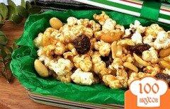 Фото рецепта: «Сладкий попкорн с арахисом и медом»