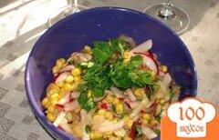 Фото рецепта: «Салат из редиса, кукурузы и других овощей»