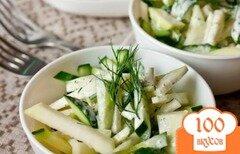 Фото рецепта: «Салат из огурца и кольраби»