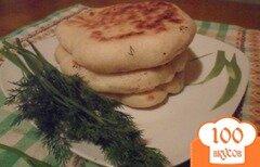 Фото рецепта: «Лепешки из манки с брынзой»