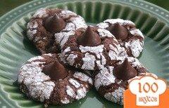 Фото рецепта: «Шоколадное печенье с конфетами»