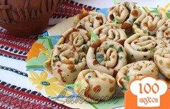 Фото рецепта: «Закусочные улитки из блинчиков с грибной начинкой»