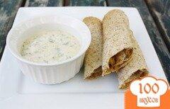 Фото рецепта: «Лепешки такос с курицей и лимонным соусом»