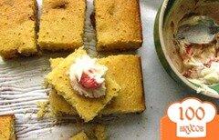 Фото рецепта: «Кукурузный хлеб с клубникой»