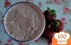 Фото рецепта: «Клубнично-шоколадный молочный напиток»