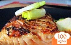 Фото рецепта: «Лосось в имбирно-соевом соусе с луком-пореем»