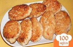 Фото рецепта: «Котлеты куриные с помидором»