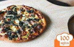 Фото рецепта: «Пицца Альфредо со шпинатом и чесноком»